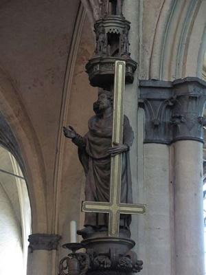Obrácený kříž ve Vatikánu